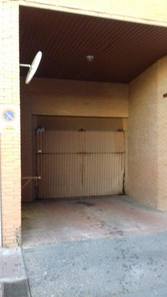 Plaza de garaje en calle Molino, Utebo